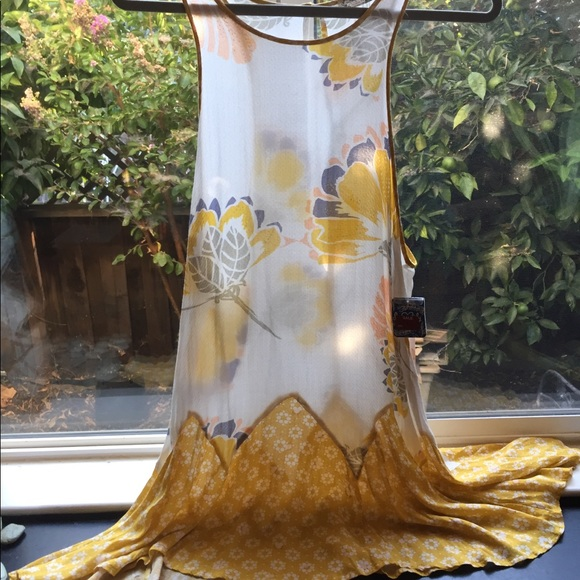 Free People Tops - Free People NWT tunic in white to golden yellow M